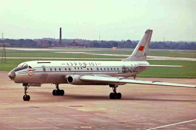 Пассажирское воздушное судно Ту-104