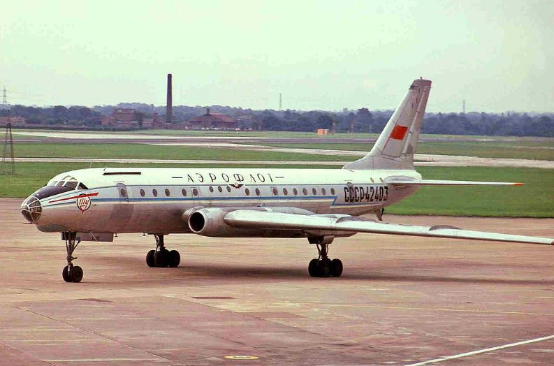 Воздушное судно Ту-104
